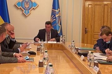 Danílov: Ucrania debería elaborar un programa de aviación estatal a largo plazo
