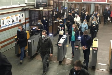 5月27日 キーウ市地下鉄利用客 更に増加