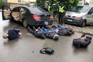 Стрельба в Броварах: суд начал процедуру определения меры пресечения 21 задержанному