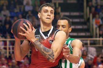 Испанский клуб продлил соглашение с баскетболистом сборной Украины