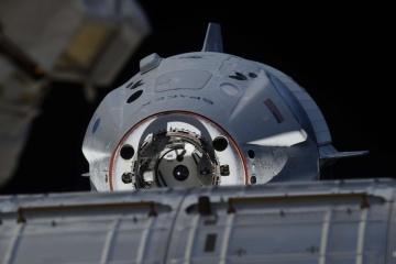SpaceX запустить у вересні першу місію з космічними туристами