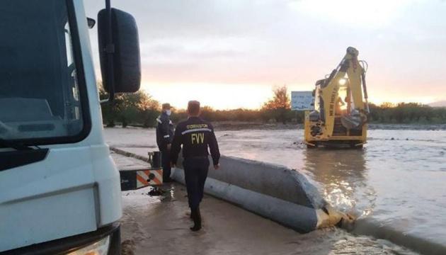 В Узбекистані прорвало дамбу, евакуювали майже 12 тисяч осіб