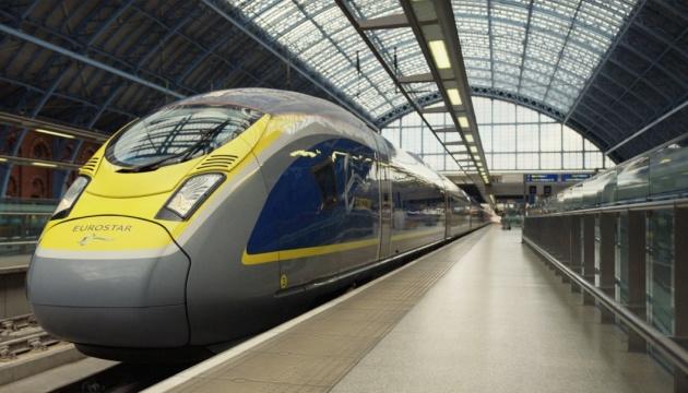 Пасажирів потягів Eurostar зобов'яжуть подорожувати у масках