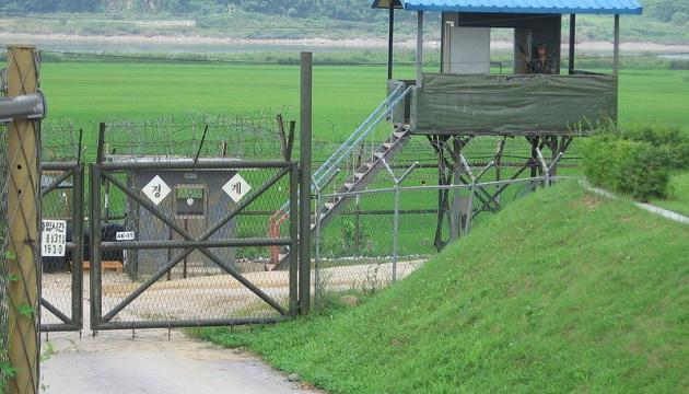 З КНДР обстріляли прикордонний пост Південної Кореї