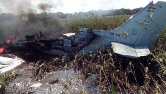У Болівії розбився військовий літак: шестеро загиблих