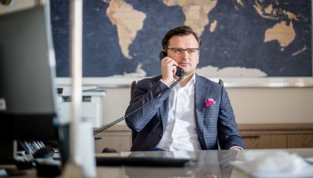 Kuleba felicita a Rinkēvičs por el 30 aniversario de la restauración de la independencia de Letonia