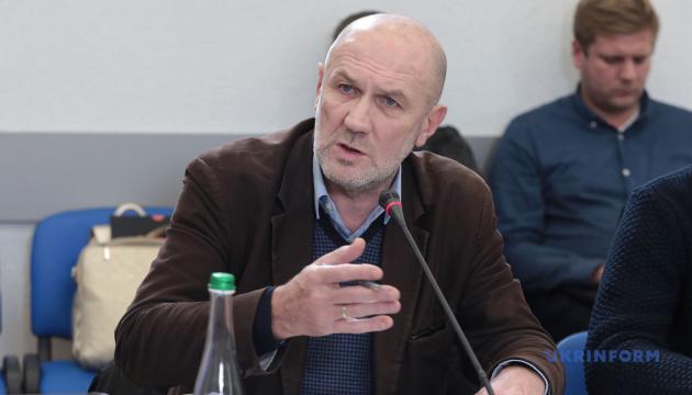 Для заборони родичам бути на похороні померлих від COVID-19 немає підстав — експерт ЮНІСЕФ