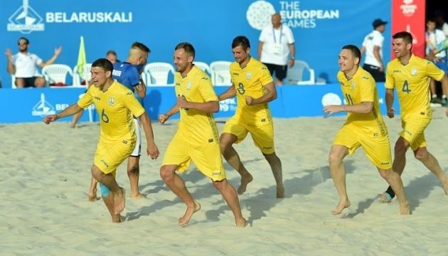 Соревнования по пляжному футболу могут начаться лишь в сентябре