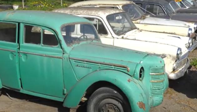 Хмельницький готує нову туристичну атракцію – музей ретроавтомобілів