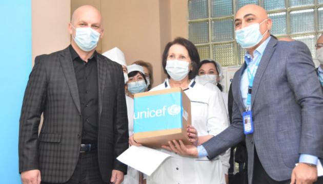 ЮНІСЕФ передав обладнання Костянтинівській інфекційній лікарні