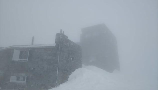 У Карпатах – сніг та 6° морозу