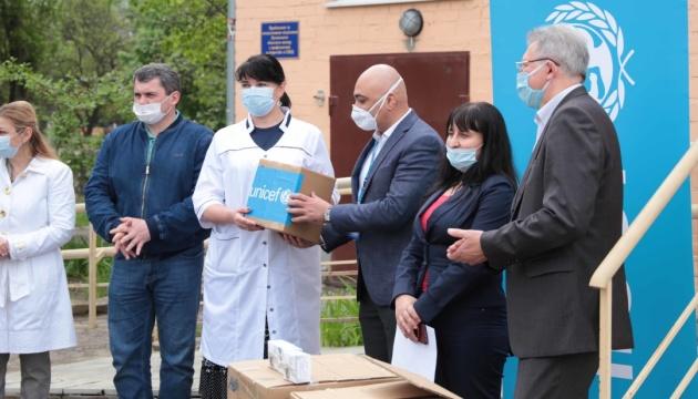 ЮНИСЕФ передал медпомощь трем больницам Луганщины