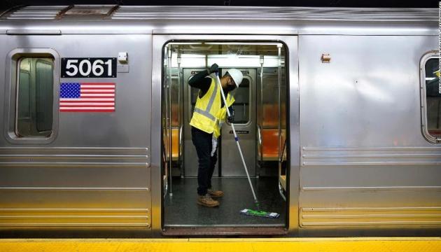 Метро Нью-Йорка вперше за 115 років закрили для дезінфекції