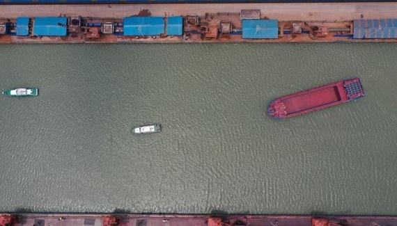 В Китае успешно испытали электрический корабль