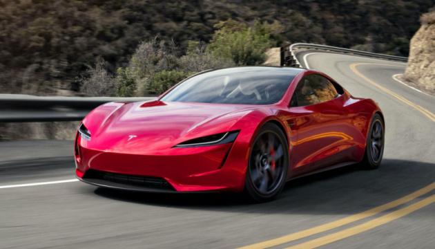 Tesla відклала випуск суперкара Roadster