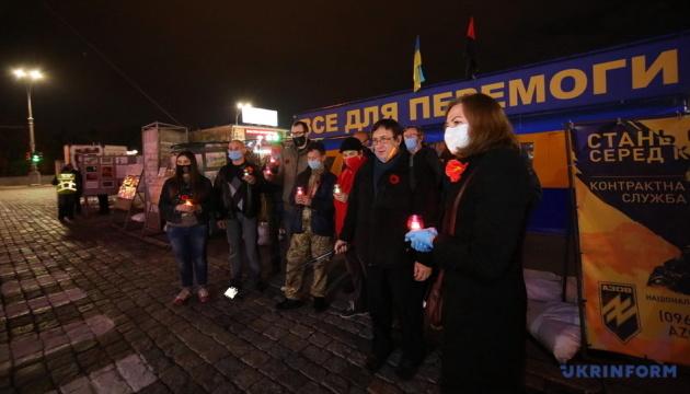 У Харкові активісти запалили свічки на акції