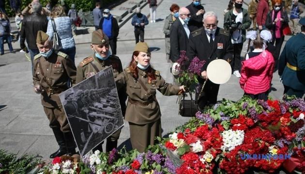 Поліція Києва заявляє, що акція у Парку Слави проходить мирно