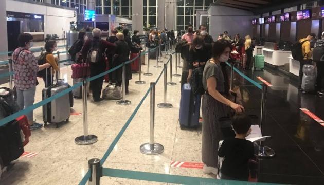 Туреччина евакуювала з Бангладеш свою 3-річну громадянку, хвору на COVID-19