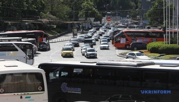 В центре Киева протестуют автобусные перевозчики