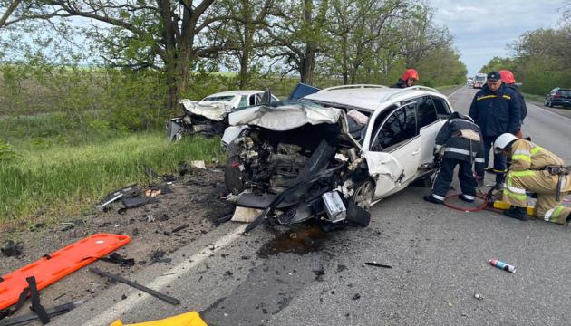 На Миколаївщині зіткнулися два авто, загинули водії