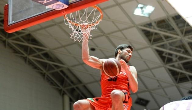 Капітан збірної України з баскетболу став вільним агентом