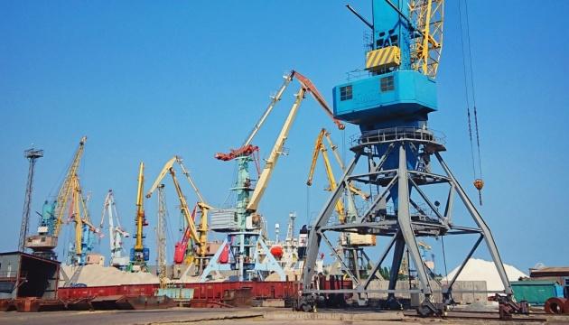 Морпорти України цьогоріч збільшили обсяги перевалки вантажів на 12,6%