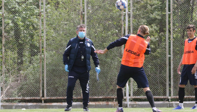 Chornomorets holds first training session with new coach