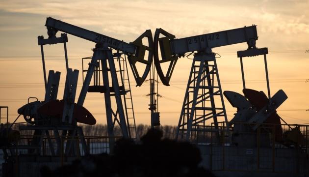 Нефть дешевеет после 5-процентного роста накануне
