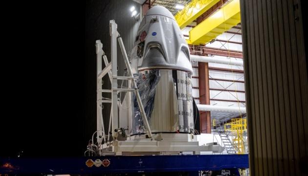 SpaceX Crew Dragon вже доправили на космодром NASA, запуск — за 8 днів