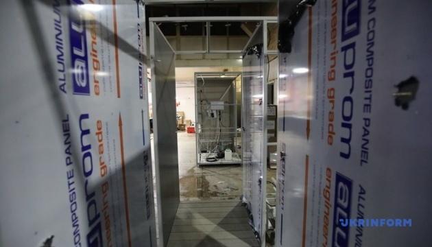 500 человек в час: в Харькове создали кабину для дезинфекции от вирусов