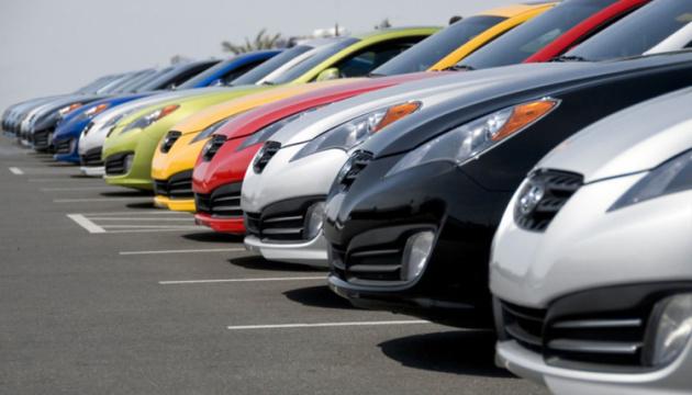 Рынок новых легковых авто в Украине за полгода сократился на 4%