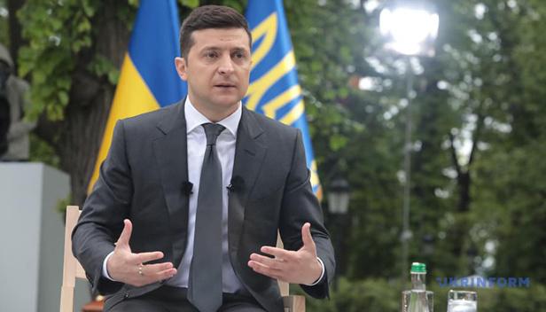 Українці готові боротися за правду, головне слово завжди буде не за політиками — Зеленський