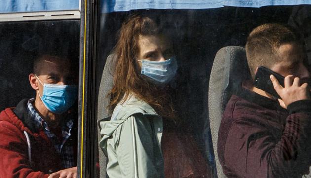 У громадський транспорт Києва пускатимуть лише в масці