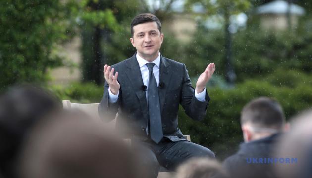 ゼレンシキー大統領、就任1年記念の青空記者会見を3時間実施