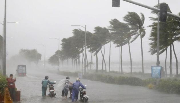 В Індії вирує потужний циклон