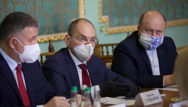 Степанов каже, що чернівецькі медики почали отримувати доплати за квітень
