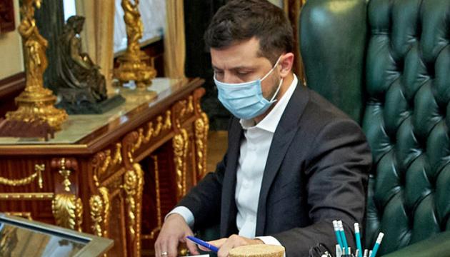 Centro Razumkov: La política exterior de Zelensky sigue siendo coherente