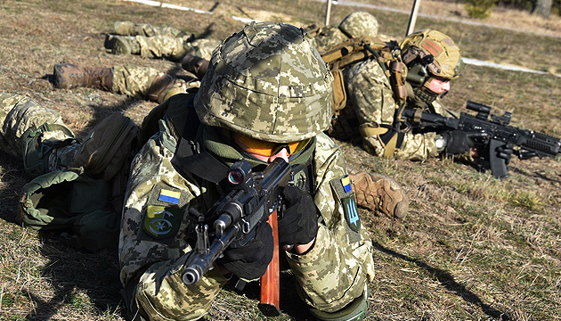 Invaders fire at Ukrainian positions near Starohnativka; one soldier wounded