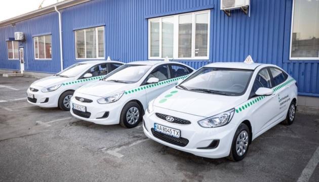 Сервісні центри МВС поновлюють практичні іспити на водійські права
