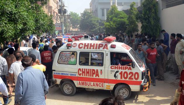 Теракт у Пакистані забрав чотири життя, понад 10 осіб травмовано
