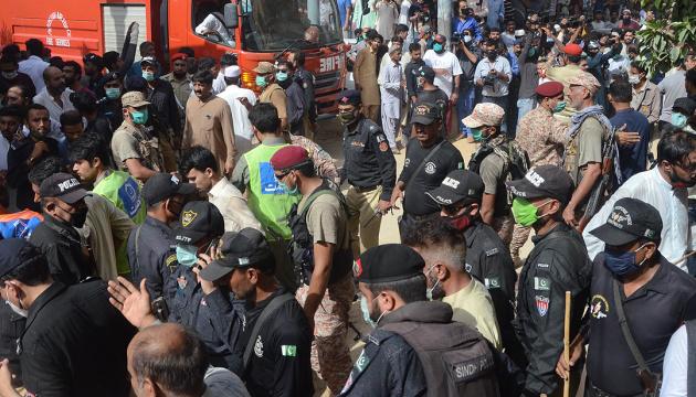 Кількість загиблих в авіакатастрофі у Пакистані зросла до 97