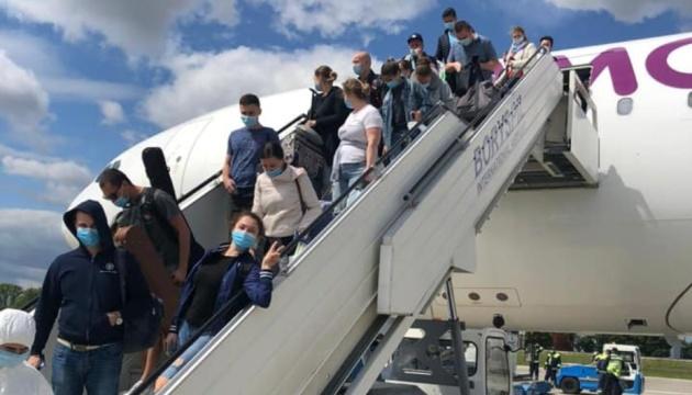 В Україну з Барбадосу повертаються 600 моряків — Криклій
