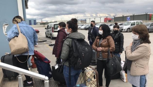 Через Стамбул спецрейсами повернулися більш як 2,5 тисячі українців - генконсул
