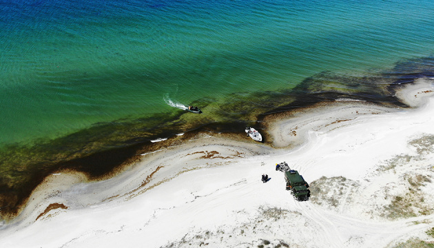 Rescatistas retiran más de 60 proyectiles y bombas aéreas del fondo del Mar Negro