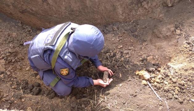 Розмінування Донбасу: за тиждень знешкодили майже 600 боєприпасів