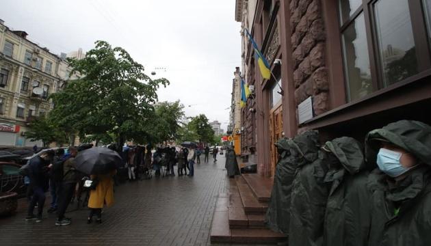 Einfuhr von Kulturgut: Poroschenko eröffnet Gemäldeausstellung statt Vernehmung in DBR