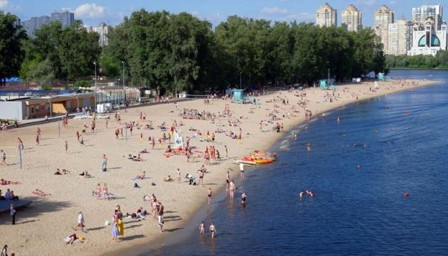 В Киеве готовят к открытию 14 пляжей и 18 зон отдыха