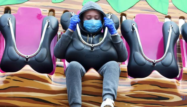 Массовое ношение масок может обуздать пандемию за 6-12 недель - главный эпидемиолог США