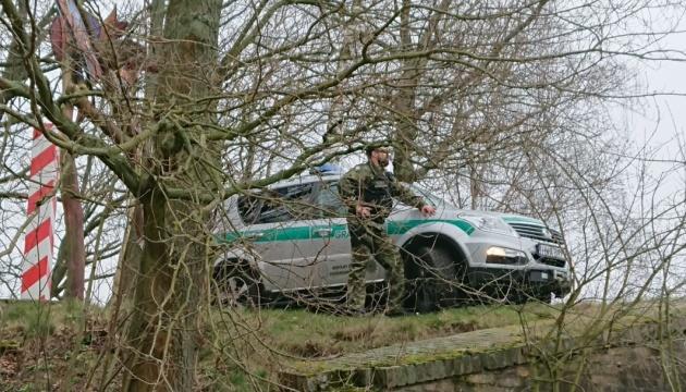 Из Польши депортировали 33 украинцев за попытку нелегально пересечь границу с Чехией