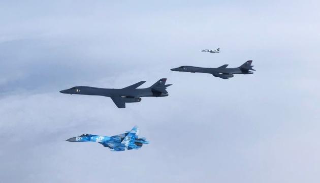Стратегические бомбардировщики США пересекли украинское воздушное пространство
